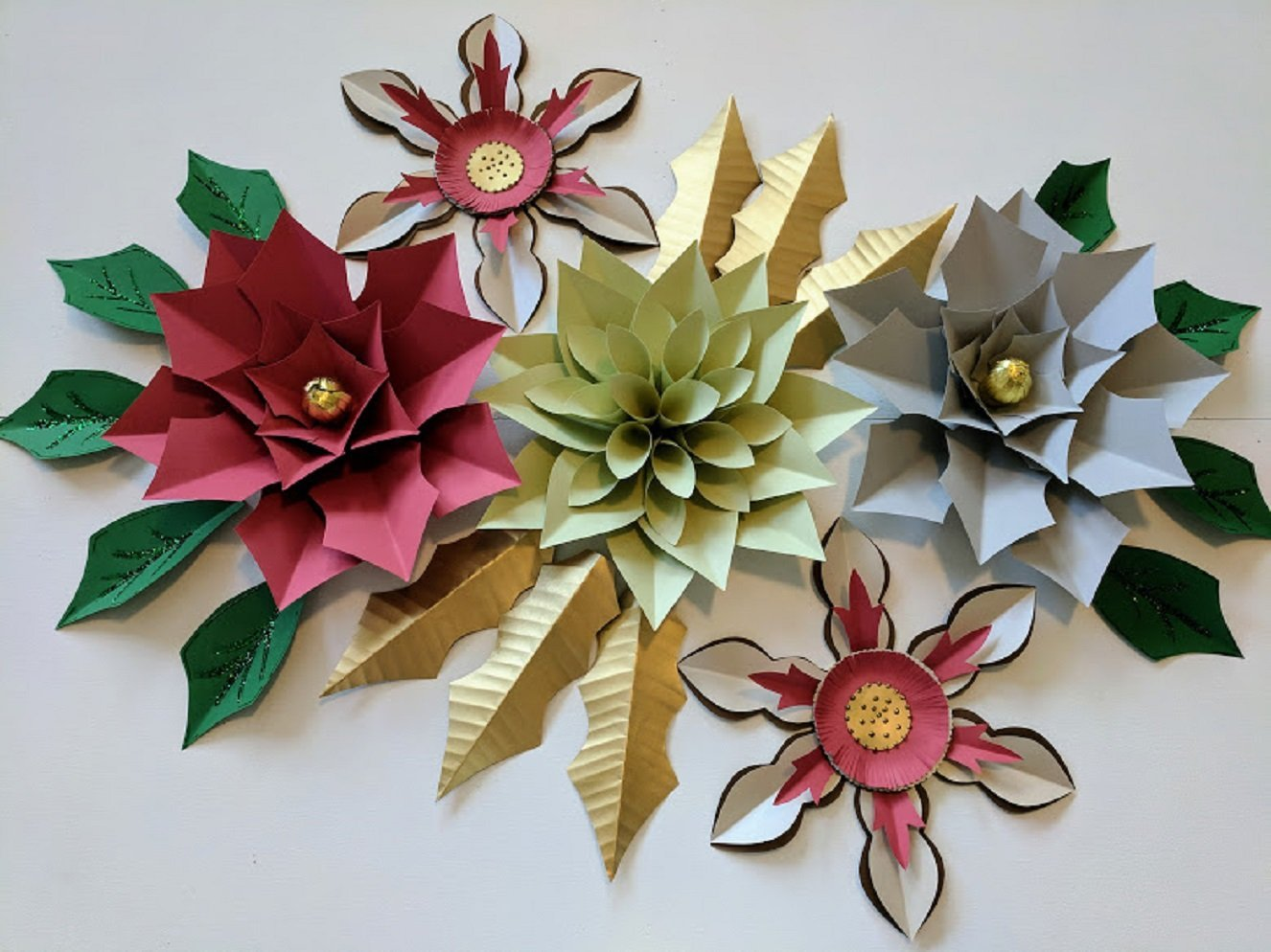Paper flowers christmas backdrops includes 5 paper flowers 15 paper flowers christmas backdrops includes 5 paper flowers 15 paper leaves fully assembled flower adventures mightylinksfo